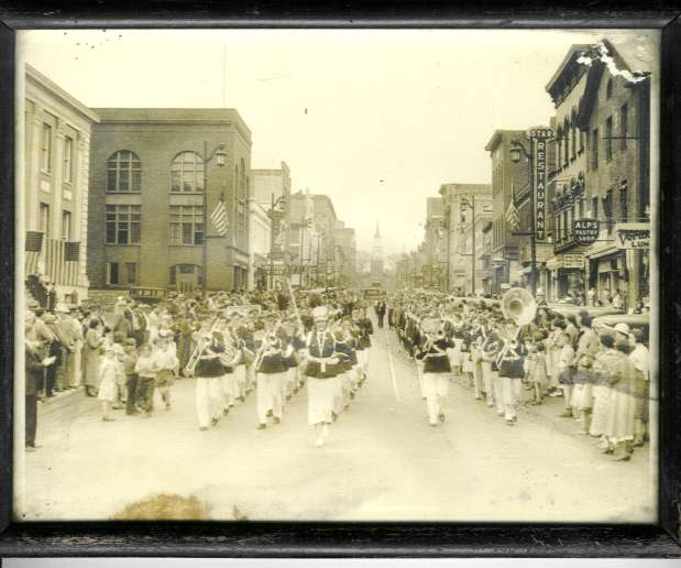 burlingtonparade.jpg